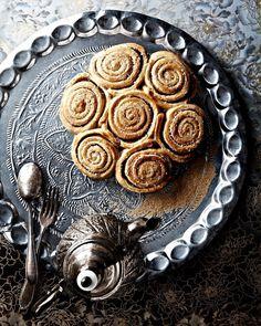 cinnamon roll recipe on lilac-cream.com . . . . . . . . . . . . . #lilah_taste #drink #cocktail #bartender #cocktaillove #chai #chaitea  #liqueur #drinks #creamliqueur #chaicream #enjoy #instadrinks #cheers #drinkresponsibly #yummy #lecker #chaidrink #rooibos #cocktaillove #swissfood #swissmade #ig_schweiz #ig_switzerland #zurich #zürich