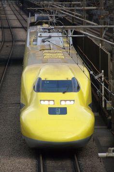 走るお医者さん(923系) Photo(Image) PhotoID495008 | PHOTOHITO - Photo Sharing Locomotive, Japan Train, Rail Train, High Speed Rail, Tramway, Light Rail, Model Trains, Railroad Tracks, Transportation