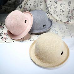 2016 Nueva Moda Sombrero Del Sol M carta tejer pequeña tapa redonda Plegable de Paja Sombreros de Verano Para Las Mujeres de Las Mujeres de Playa Headwear