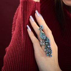 Shop for Peacock Cocktail Ring,Okajewelry Silver Plated Blue Rhinestone Stretch Peacock Cocktail Ring features a large peocock design. Bridal Jewelry, Gold Jewelry, Jewelry Box, Unique Jewelry, Jewelry Accessories, Jewelry Design, Party Accessories, Jewellery, Peacock Ring