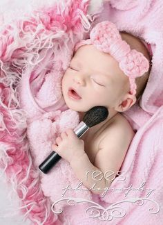 I just LOVE this photo!!!  What a cute idea for a newborn baby girl! If my next child is a girl (most likely) she will get pics like this. Wish Bri could have….. :(