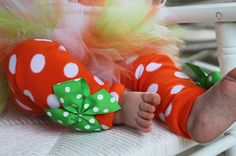 Pumpkin Leg Warmers -- Bow Leg Warmers -- orange and white polka dots for baby girls on Etsy, $13.95