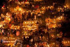Día de muertos por Isaac Michán Arzate  Por Flickr:  En la isla de Janitzio, Michoacan