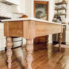 Chunky Dining Table, Dining Table Legs, Farmhouse Table Legs, Country Kitchen Island, Home Decor Kitchen, Kitchen Ideas, French Country Dining, Cottage Kitchens, Farmhouse Interior