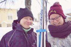 #kotiroholasta ja Kostian koulun iloisia opettajattaria, jotka uskovat arvoa luoviin ympäristöihin, kuten hiihtämiseen! Pälkäne 2/2017