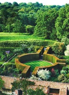 Eccentric England: Gardens and Homes of Kent & Sussex | Backyards Click