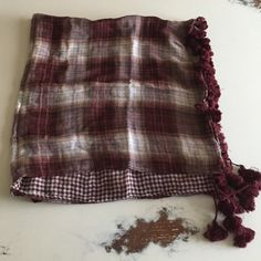 Abercrombie red plaid scarf Abercrombie double sided pattern plaid cotton scarf w/fringe Abercrombie & Fitch Accessories Scarves & Wraps