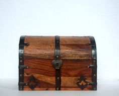 Vintage Wooden Chest / Decorative Trunk / Wood by OneDecember, 28.00