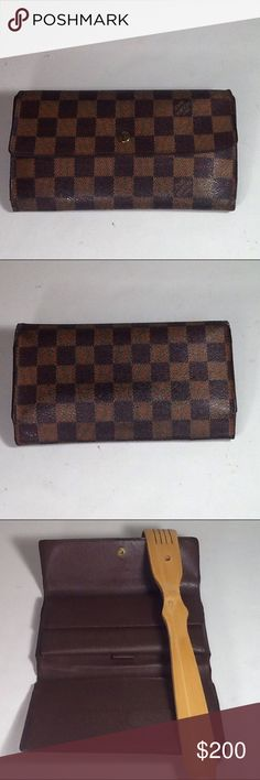 Aut Louis Vuitton Damier International Long Wallet Leather showed minimum signs of used. The wallet was made in France with a date code TH 0053. The dimension is 4, 7 and 1. Over all the wallet us in a good preowned condition. Louis Vuitton Accessories