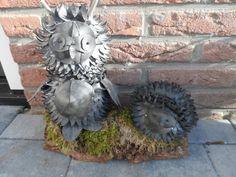 uiltje en egel gemaakt van fietsbanden