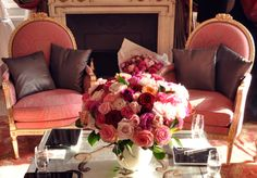 SO MANY ROSES. And those chairs.. yes please.