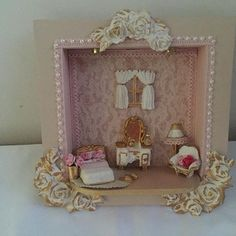 Para decoração de princesa  #decoracao #maedemenina #mariadiva #minidiva #talmaetalfilha Box Picture Frames, Box Frames, Baby Shawer, Sky Design, Miniature Furniture, Shabby Chic Decor, Shadow Box, Miniatures, Wall Decor