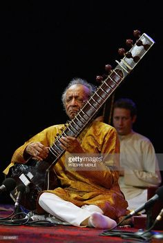 Indian musician Ravi Shankar performs during the 'nuits de Fourviere' festival, 29 June 2005 at the Fourviere amphitheater in Lyon.