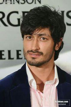 my man crush vidyut jammwal