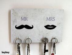 彡 KeyKey Schlüsselbrett | Mr & Mrs - 彡 Schlüsselbrett KeyKey von claus-peter-2 - Weiteres - Wohnaccessoires - DaWanda