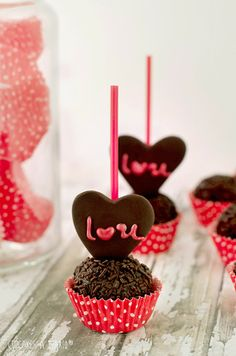 Cupcakes a diario: Trufas de chocolate con naranja y cointreau, el 14 de febrero se acerca...