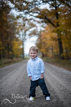 Decatur, IN Child Photographer, Yellow Creek Photography, Outdoor photography, child photography, 2 year old boy photos, what to wear