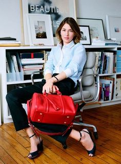 Post with 3503 views. Sofia Coppola only owns one pair of pants Eminence Grise, Sofia Coppola Style, Looks Style, My Style, Red Accessories, Work Uniforms, Parisian Chic, Office Fashion, Jeanne Damas