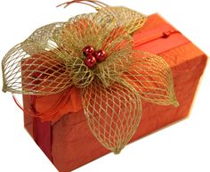 Дизайнерская упаковка подарков Container, Gift Wrapping, Handmade, Gifts, Orange, Gift Wrapping Paper, Hand Made, Presents, Wrapping Gifts