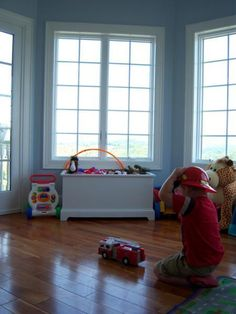 I want to make this!  DIY Furniture Plan from Ana-White.com  A classic toy box with the top removed. Like the toy box top every shuts anyway! This simple design features a moulded footer and top lip. Ample storage inside.