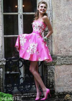 Svečana haljina Sherri Hill 32074 pink Zablistajte na maturi.   Svaka svecana haljina je dizajnirana kako bi bila u skladu sa modernim stajlingom i zenom koja je nosi.