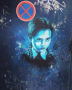 Mercredi - Bruxelles ville colorée  @christianguemy #bruxelles #brussels #christianguemy #bruxellesmabelle #bxl #bx #bxlove #bybrussels #bruxellestagram #bruxellesjetaime #bxl_online #visitbrussels #igbrussels #belgique #belgium #welovebrussels #brusselslove #graffiti #streetart #streetstyle #urban #urbanart #sprayart#wallart #brusselsgraffiti #art #artist #streetphotography #color