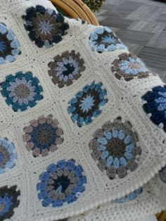 "Granny ""Circle in a Square"" crochet blanket - love the colors"