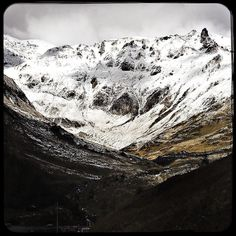 I love it when the mountain peaks are covered in snow.  #snow #peak #winter #grossglockner #soultravels #outdoorgirl #adventuregirl #wanderlust #mindful #forevercurious  #munichandthemountains