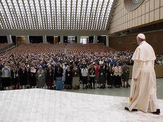 """Le pape François a annoncé, le 12 mai 2016, son intention de créer une commission chargée de réfléchir à la possibilité d'ouvrir le diaconat aux femmes. Pour le """"bien"""" de l'Eglise, le pape a jugé nécessaire d'étudier cette possibilité, alors qu'il intervenait devant 900 supérieures majeures de congr"""