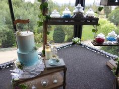 Cakes and lollies Rustic Wedding, Our Wedding, English Roses, Rustic Charm, Tea Cups, Home And Family, Warm, Cakes, Classic