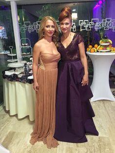 Doua surori superbe poarta rochitele noastre Cliente multumite inseamna o dimineata fericita pentru noi in atelier! Doua surori superbe poarta rochitele noastre! Multumim pentru fotografie, Mara ...
