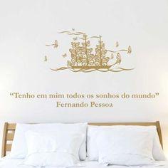 """""""Tenho em mim todos os sonhos do mundo. - Fernando Pessoa"""