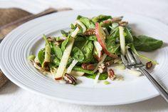 Salade épinards et pommes Spinach Apple Salad, Asparagus, Green Beans, Salads, Vegan, Meals, Vegetables, Cooking, Desserts
