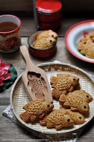 Cute Food, Yummy Food, Mooncake Recipe, Food Mold, Aesthetic Food, Food Inspiration, Sweet Recipes, Food Photography, Dessert Recipes