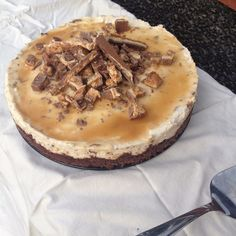 Snickers Cheesecake - Alkuperäinen resepti myTaste