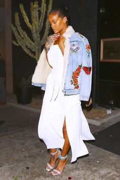 Celebrity Street Style : Rihanna : ses street styles les plus cool Dope Fashion, Fashion 2020, Girl Fashion, Fashion Looks, Fashion Outfits, Swag Fashion, Fashion Pants, Fashion Styles, Street Style Rihanna