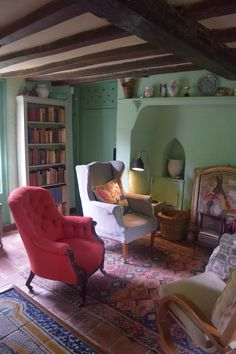 Monks house, the country abode which Virginia Woolf shared with her husband Leonard is a fascinating window into the life of one of the world's most celebrated authors.Located just 3 miles ou…