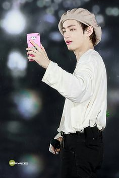 This guy letrally stole ma heart.my eyes are sweating. Jung Hoseok, Kim Namjoon, Kim Taehyung, Seokjin, K Pop, Rapper, Jimin, Bts Big Hit, Bae