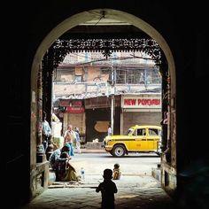 गुमनामियों की परछाईं है...उजालों में जाने को तत्पर है... Pic by @ladly_piyalee  To get featured follow Highways.of.india and use Tag #_hoi .. #india #gopro #_soi #canon #iphoneonly #instagood #instamood #vscocam #travel #followme #follow4follow #like4like #likeforlike #followforfollow #picoftheday #goodmorning #art #candid #love #night  #delhi #mumbai #rajasthan #wanderlust #minimal #food #fashion #kolkata