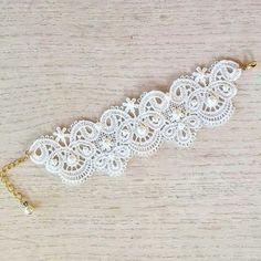 Bridal lace bracelet, lace cuff, wedding jewelry, Venice lace bracelet, ivory braclet