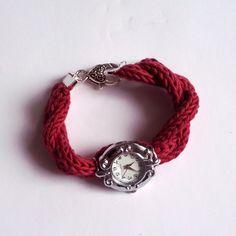 Le tuto de la semaine  Un bracelet de montre en fil Natura (produit DMC