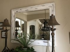 Chalk painted mirror frame (After) Chalk Paint Mirror, Mirror Painting, Diy Furniture Flip, Painted Furniture, Chalk Paint Projects, Paint Ideas, Furniture Refinishing, Annie Sloan, House Projects