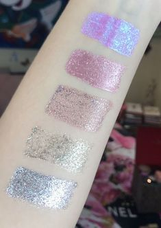 Stila's glitter liquid eyeshadows are every makeup lovers dream ✨ These glitter liquid eyeshadows are so pigmented and stunning. Of course, I love glitter and had to order a few colours ✨ You can leave Liquid Glitter Eyeshadow, Stila Glitter, Winter Makeup, Spring Makeup, Makeup Inspiration, Makeup Ideas, Glamour Makeup, Full Face Makeup, Eye Tutorial