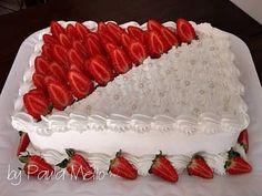 Resultado de imagem para bolo infantil com cobertura de chantilly Food Cakes, Cupcake Cakes, Pastel Rectangular, Strawberry Sheet Cakes, Sweet Recipes, Cake Recipes, Sheet Cake Designs, Cake Varieties, Fresh Fruit Cake
