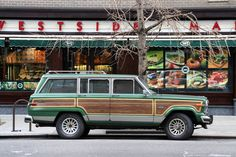 1988 Jeep Grand Wagoneer - Forest Green