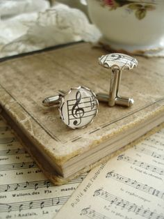 For my hussband!!! 25 Handmade Wedding Treasures that Hit All the Right Notes   OneWed