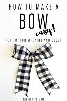 How to Make a Bow for a Wreath - Easy! How To Make A Ribbon Bow, Diy Ribbon, Ribbon Hair, Ribbon Crafts, Hair Bows, Ribbon Flower, Fabric Flowers, Boxwood Wreath Diy, Diy Wreath