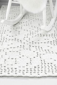 Novita lace patterns, crochet carpet made with Novita Tuubi yarn - photo only for inspiration.