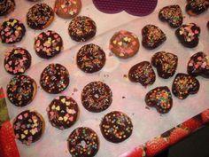 Mini donuts and cake-hearts with chocolate ♥ #donuts #cake #chocolate