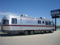 vintage trailers imagaes | This is the largest coach to be displayed in Old Town Auburn in ...